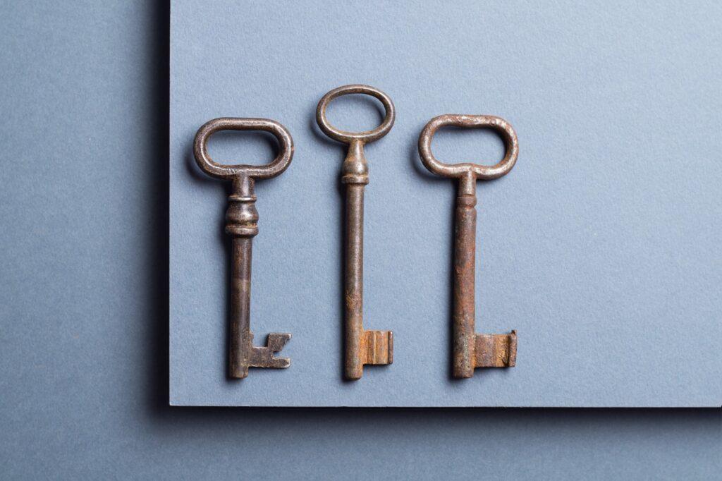 vintage key PBCYLVX